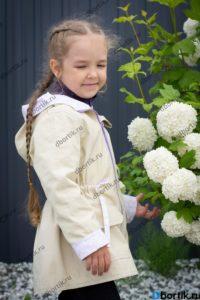 Детская куртка парка, вид сбоку