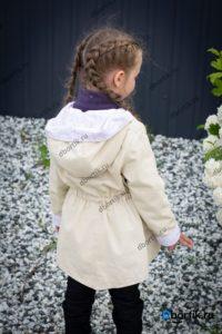 Детская куртка парка, вид сзади
