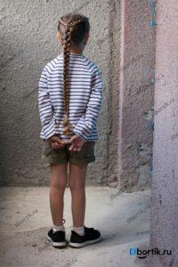 Детская кофта, пуловер. Вид сзади