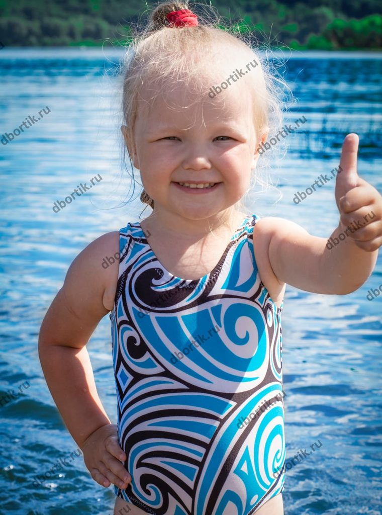 Выкройка детского сплошного купальника. Размеры 80-86-92-98-104-110-116-122-128. Готовый вид.