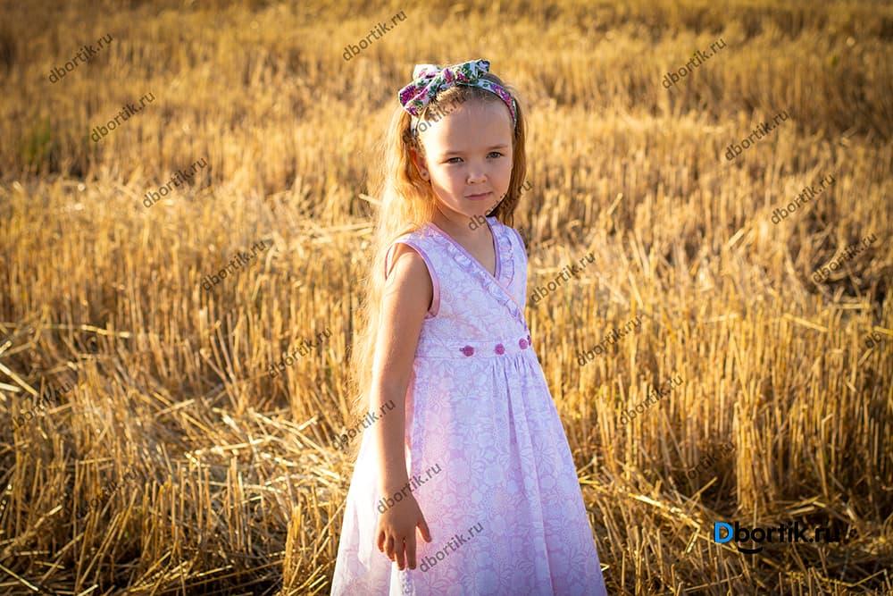 Детское розовое платье на запах в готовом виде.