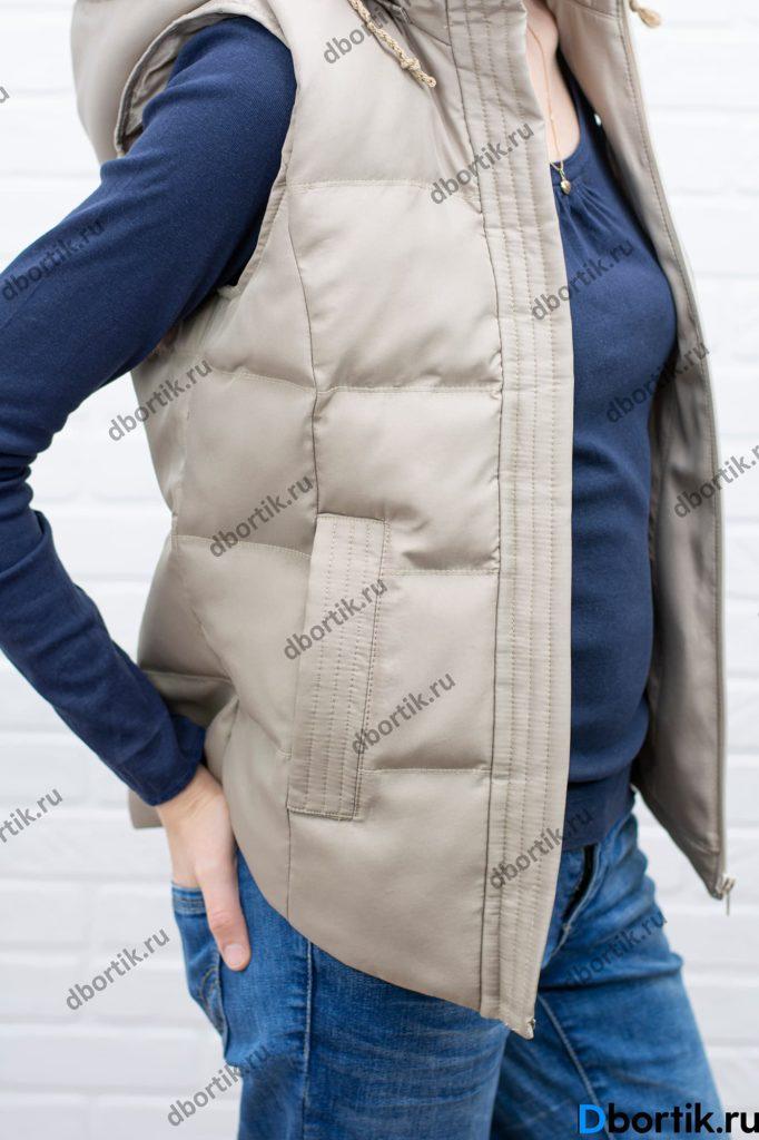 Карманы женской жилетки. Вид сбоку.