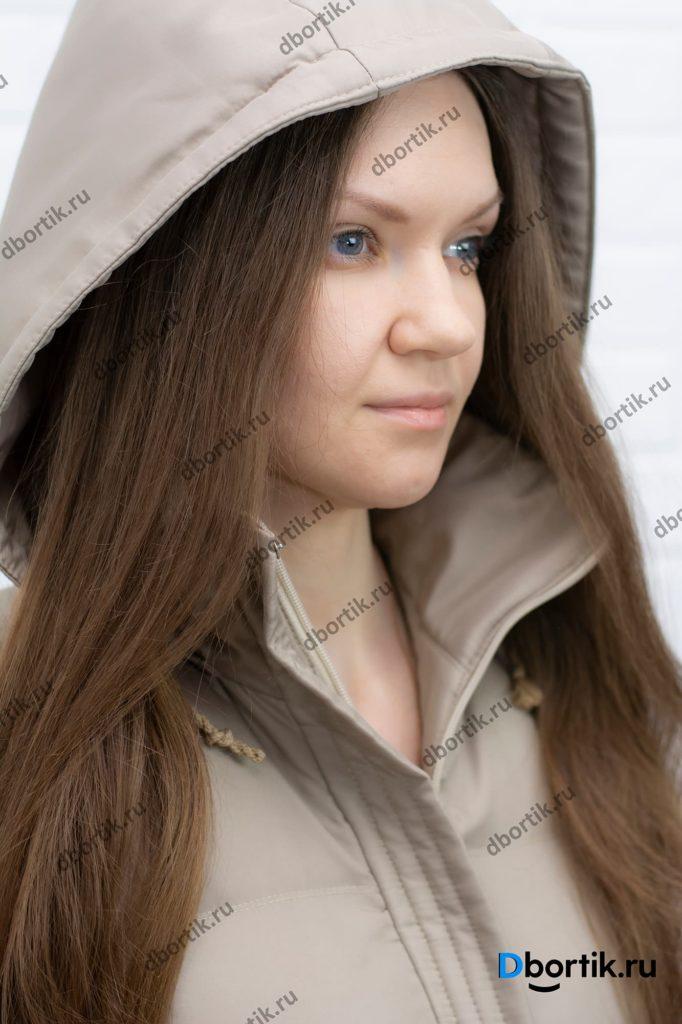 Женская жилетка с капюшоном, крупный план.