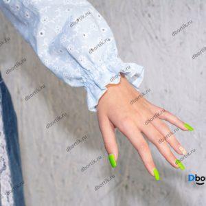Рукав укороченной кофты на девочку подростка. Кофта в готовом виде после пошива.